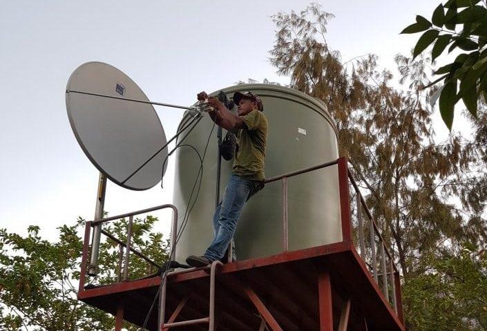 Layanan Internet Satelit